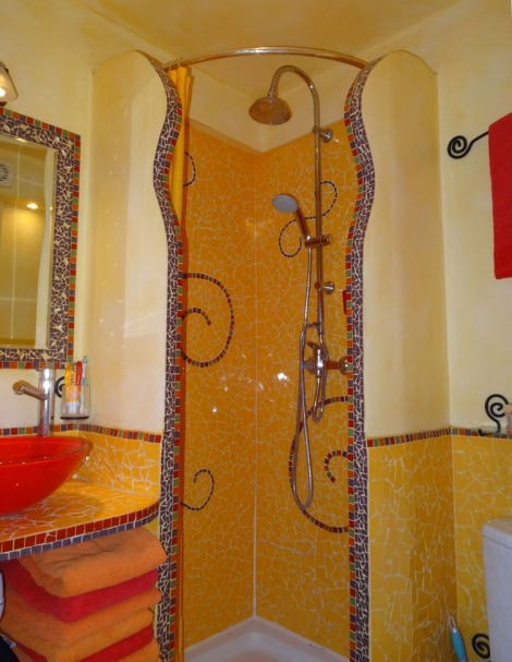 Crazy and colorful bathroom feel more like Barcelona than Paris. More cheer. Photo: ©Lisa Anselmo