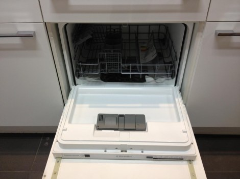 Tiny Electrolux dishwasher for 12 couverts, or place settings. Not worth it perhaps but dang cute.