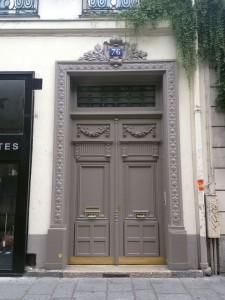 Door-Marais-My-Parttime-Paris-Life