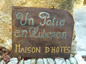 Hotel sign, the Luberon. ©Lisa Anselmo