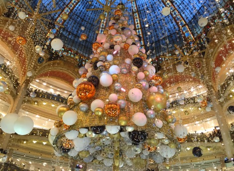 The tree at Galeries Lafayette. ©Lisa Anselmo