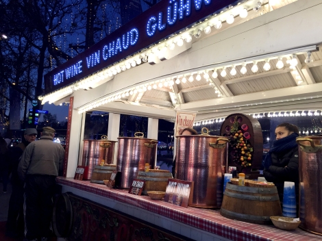 The hot wine stand